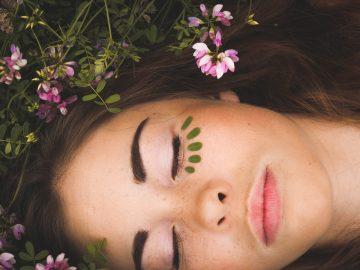 sept1 2 360x270 - Ansigtsbehandling: pleje for både krop og sjæl