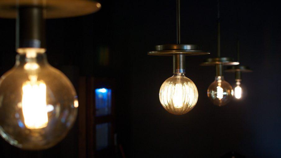 angela gonzalez garcia THhv thjR20 unsplash 905x509 - PH-lamper – få kvalitetslamper ind i din bolig