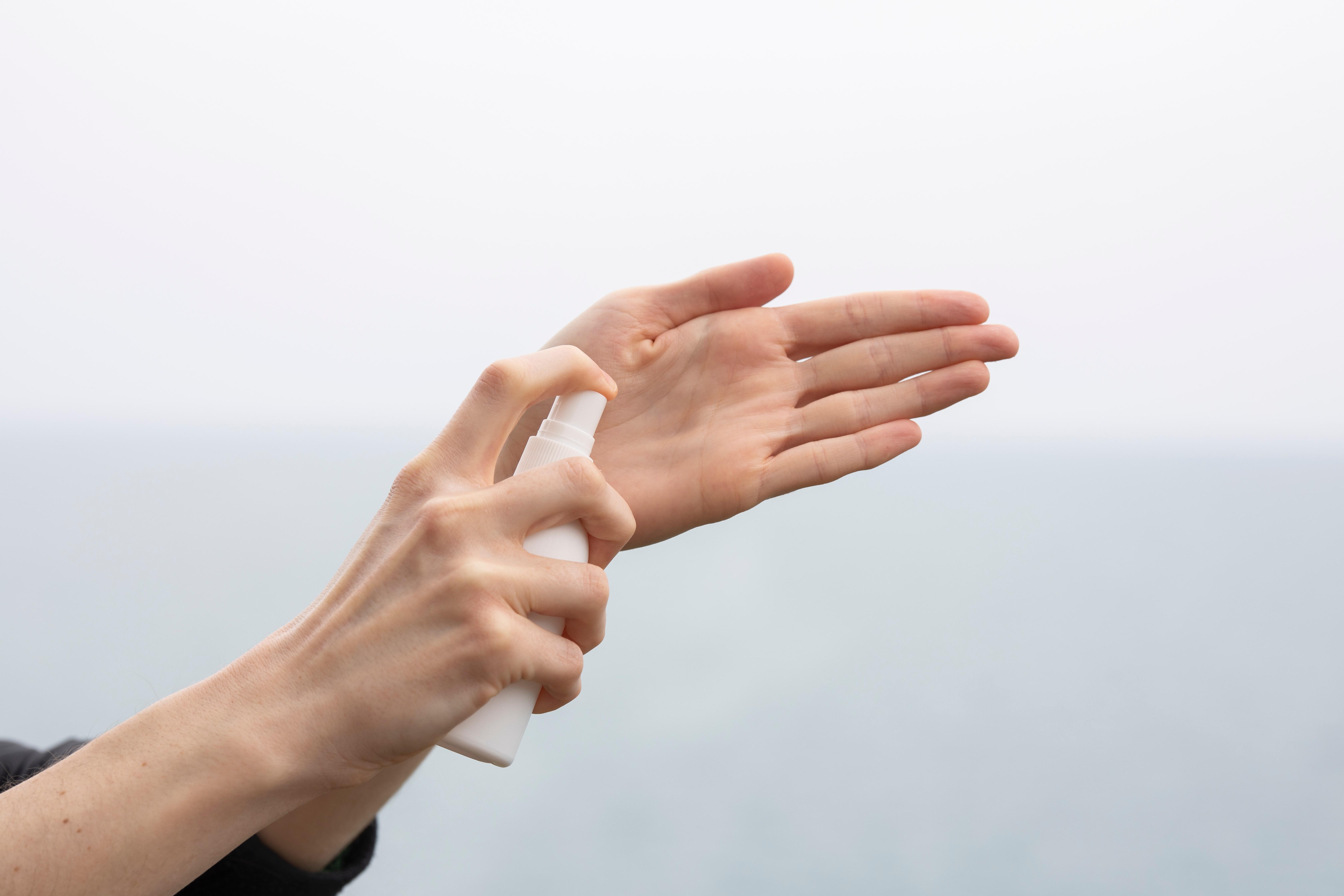 engin akyurt srt61vmXMY8 unsplash - Hvordan virker håndsprit mod virus?