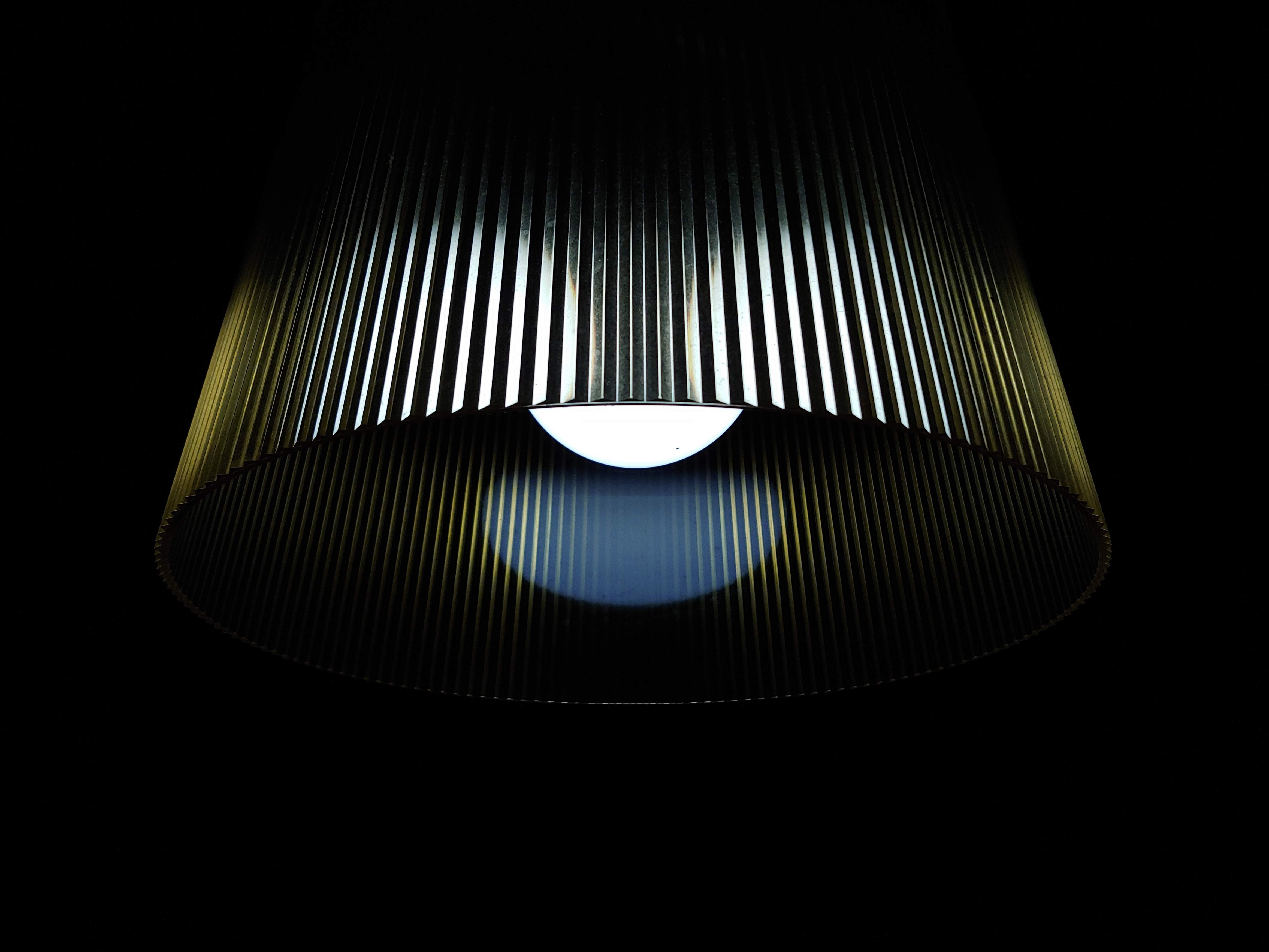 filippo miscioscia U7P5wG7OBjU unsplash - Få styr på dine LED pærer