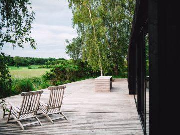 markus spiske 1LdQZ4dDmrg unsplash 360x270 - Moderne solsenge til din terrasse