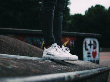 shane aldendorff 0dLJWa40dqM unsplash 360x270 - Forkæl dig selv eller en veninde med den populære Nike-sko