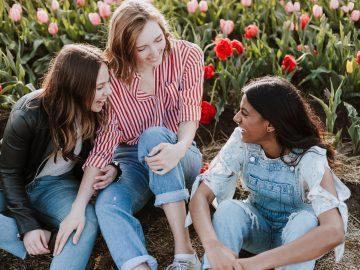 priscilla du preez gYdjZzXNWlg unsplash 360x270 - De perfekte jeans til den stilbevidste kvinde