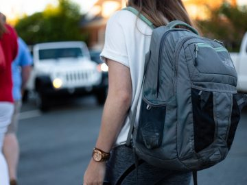 omar roque z5ncx9p6AvM unsplash 360x270 - Rygsække og skoletasker med god plads