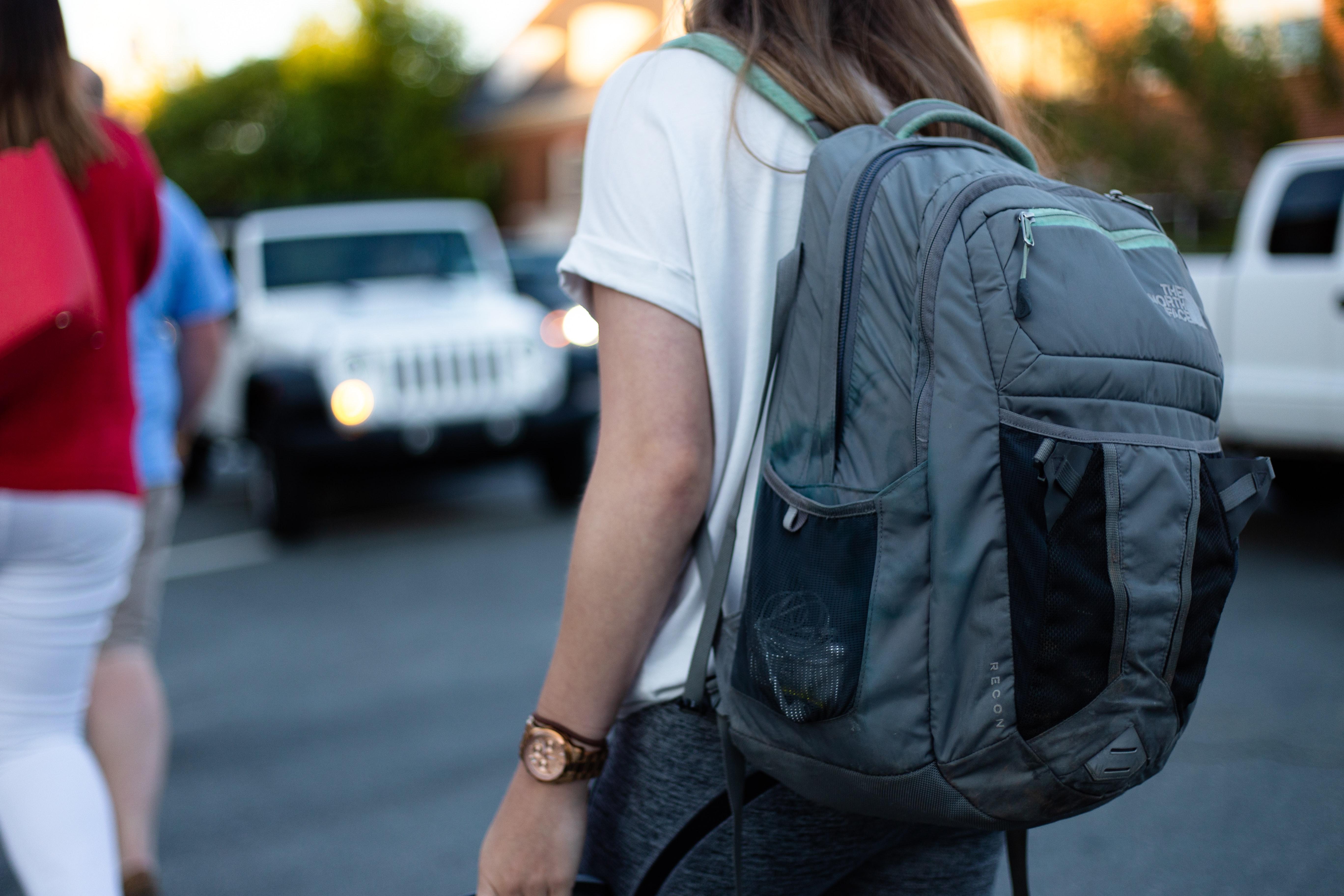 omar roque z5ncx9p6AvM unsplash - Rygsække og skoletasker med god plads