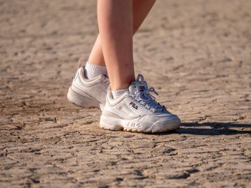 jamie street oD5JxhSlt6Q unsplash 360x270 - Gode sneakers til sommeren!
