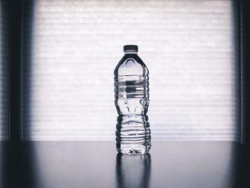 pexels steve johnson 1000084 360x270 - Vandflasker kan være bakteriebomber