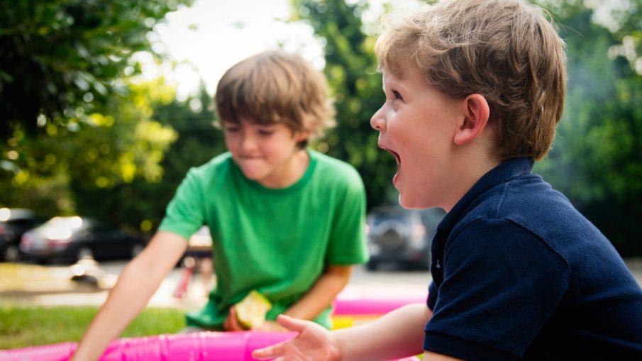 ashton bingham SAHBl2UpXco unsplash 905x509 - Hygge med børnene i juleferien