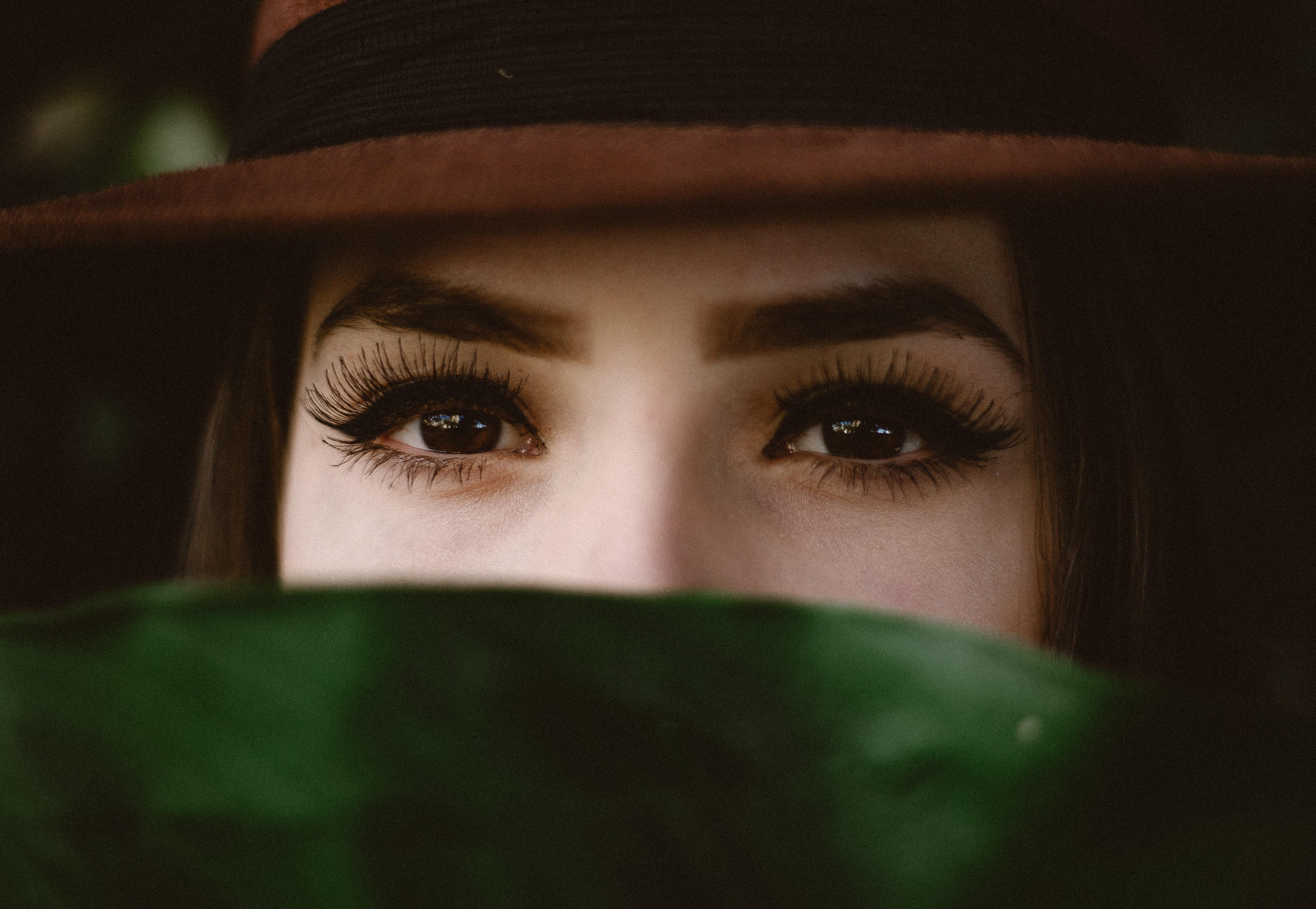 allef vinicius  H4iwsvqKMI unsplash - Dine muligheder for perfekte øjenbryn