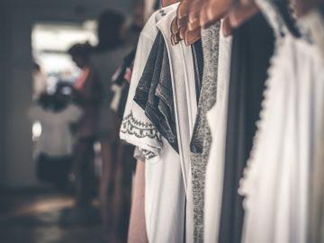 pexels photo 994523 360x270 - Skab den perfekte garderobe med plus size tøj
